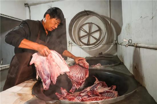 """吴中东山:御寒美食""""矮马桶""""羊肉"""